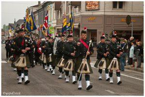 Uniform: Semi Militaire Dresscode
